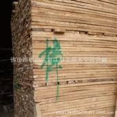 木板材-特价批发 热卖西南方产 优质香樟木板材1.5cm-6.5cm厚  自然宽...